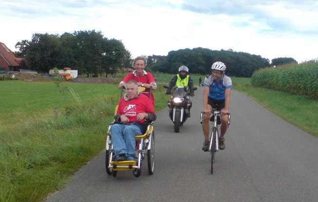 """""""Handicap bewegt"""" Spendentour 2012"""